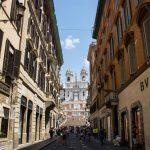 La bellissima via Condotti a Roma