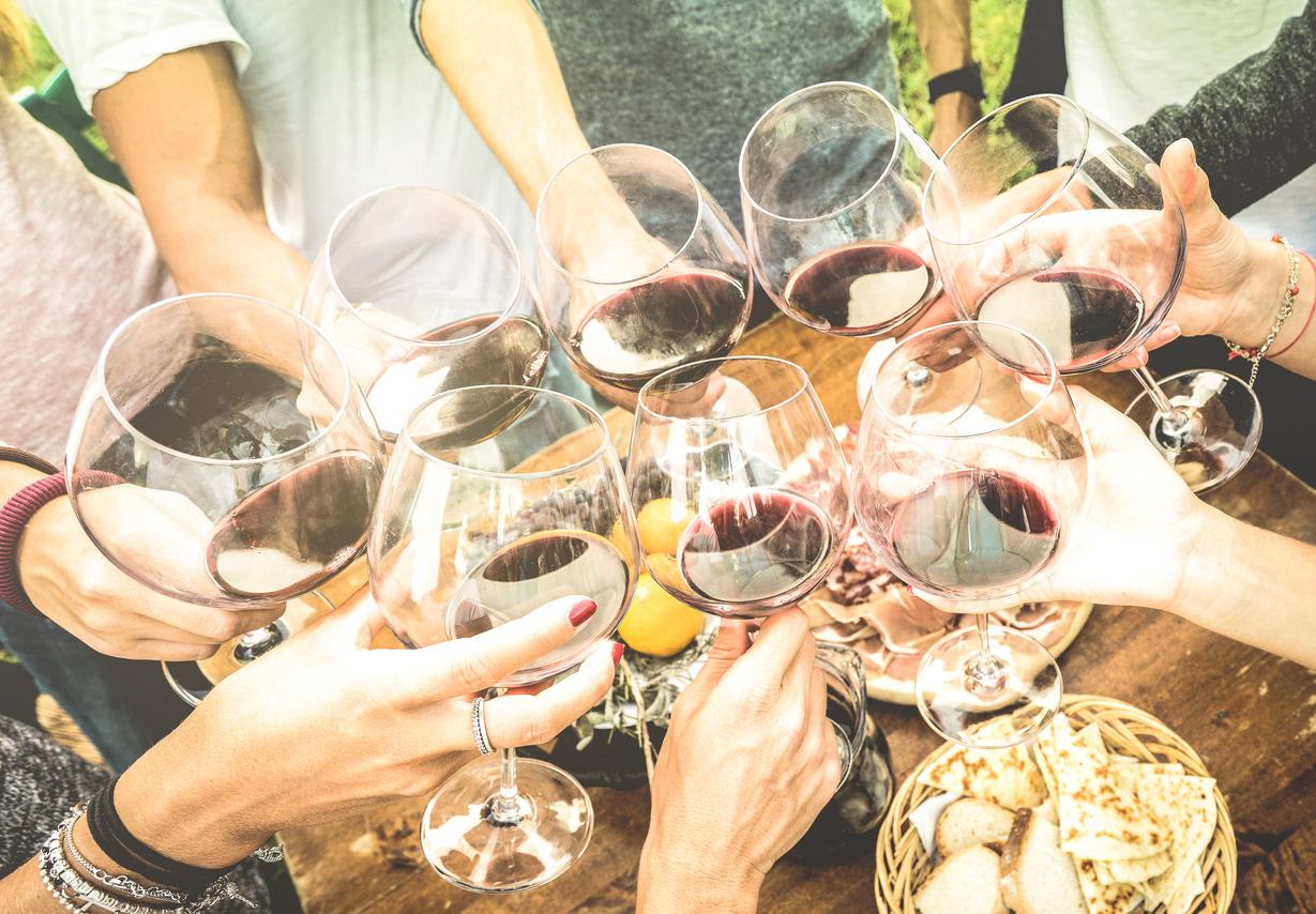 Cene estive con la Barbera, il vino dell'estate