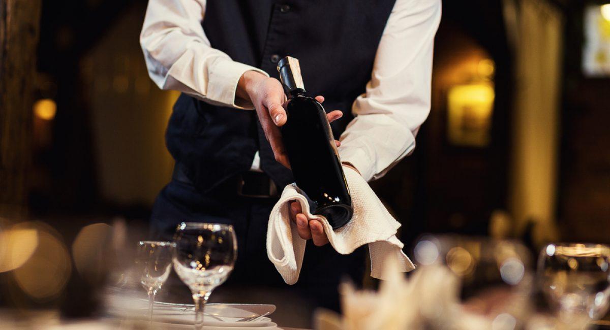 Come servire al meglio il vino